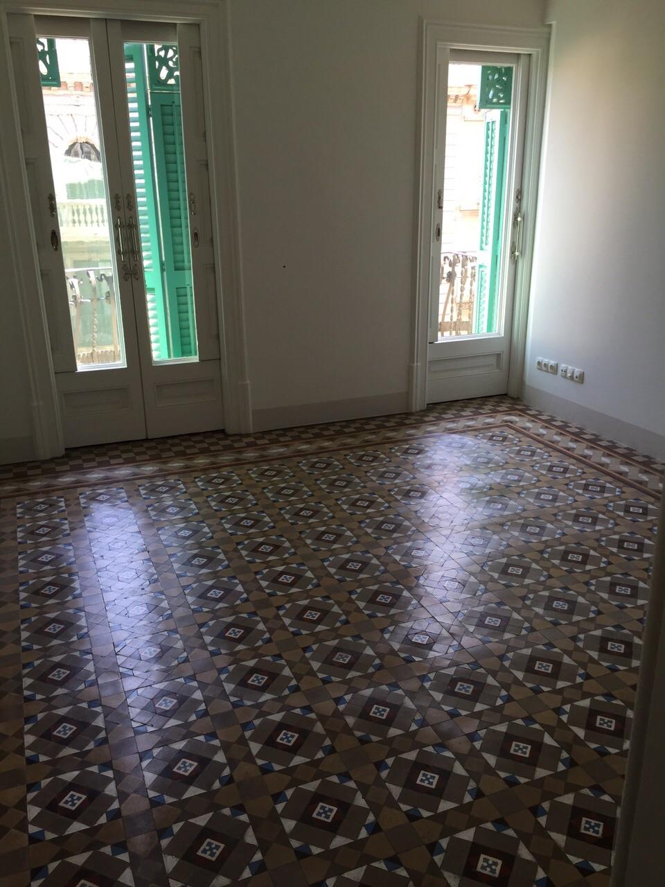 MosaicosBarcelona |Pulido y abrillantado de suelos en mosaico nolla en Barcelona