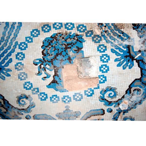 MosaicosBarcelona |Restauración de pared en mosaico nolla en Barcelona