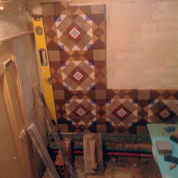 MosaicosBarcelona |Restauración de pared en mosaico hidraulico en Barcelona