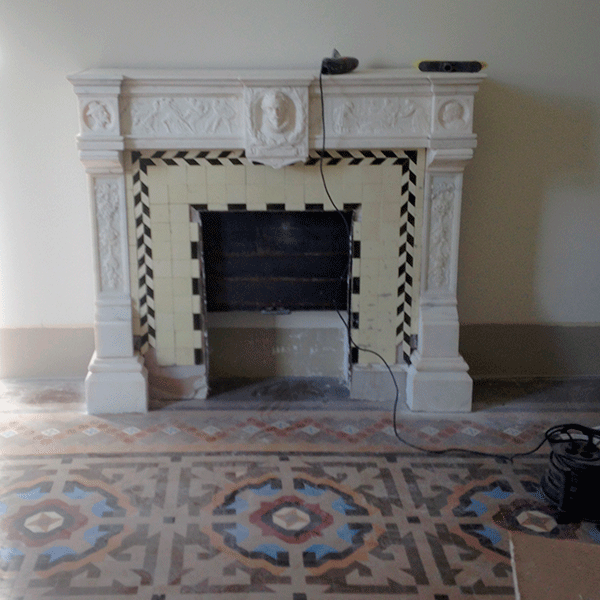 restauracion-terminada-de-chimenea-y-pavimento-de-mosaico-nolla