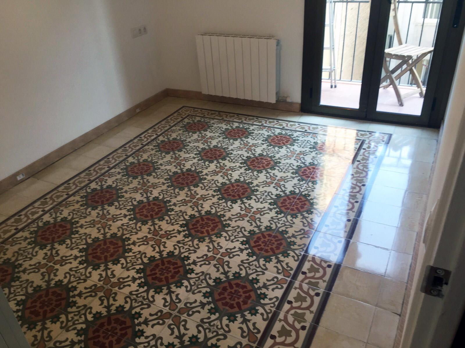 Suelo-de-mosaico-abrillantado-en-vivienda-Barcelona