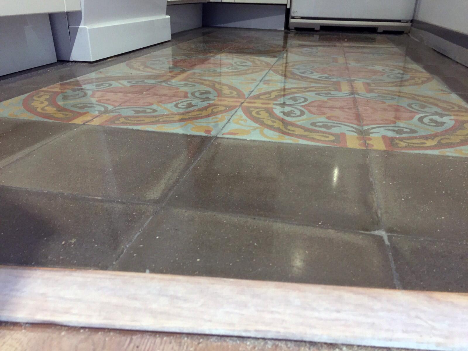 Suelo-de-mosaico-nolla-restaurado-en-Barcelona