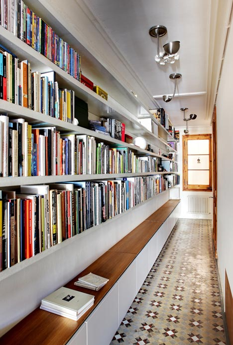 Apartamento-en-Consell-de-Cent-suelo-restaurado-3