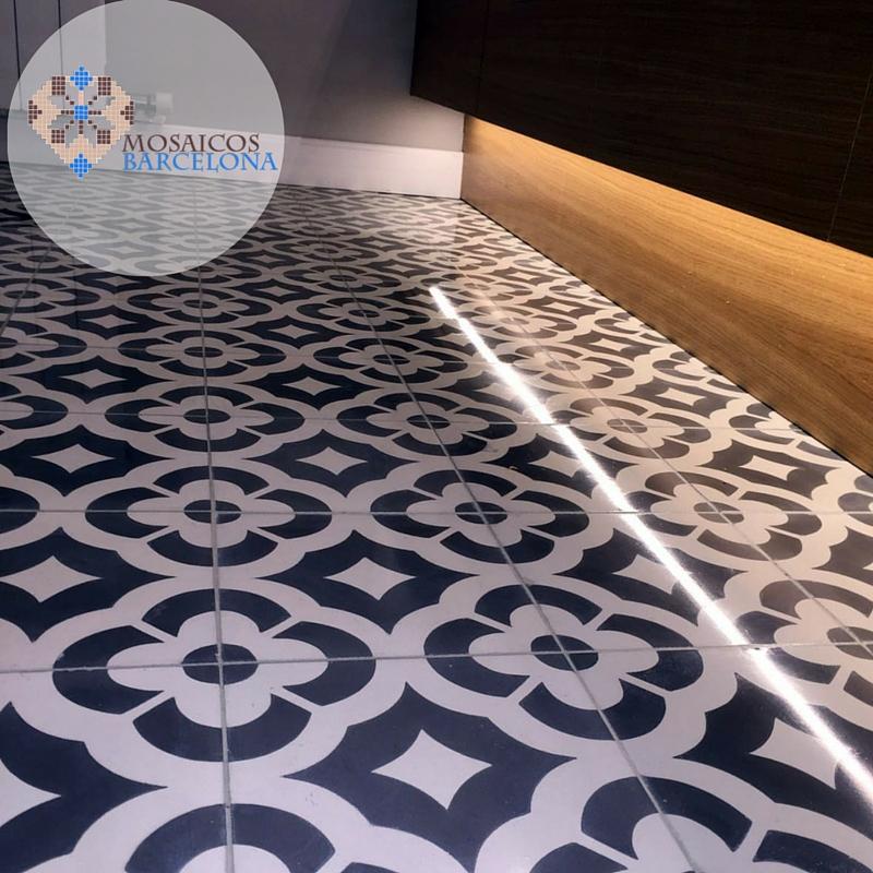 MosaicosBarcelona-Pulido-de-suelo-hidraulico-en-baño
