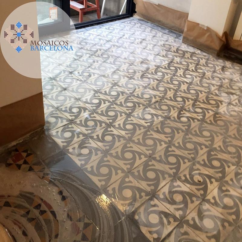 MosaicosBarcelona-Pulimento-de-suelo-hidraulico-en-vivienda-de-Barcelona