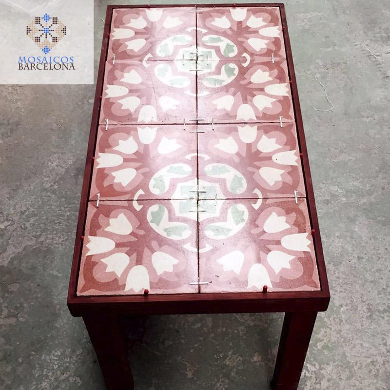 Construcción de Mesa Decorativa con mosaicos hidráulicos antiguos restaurados