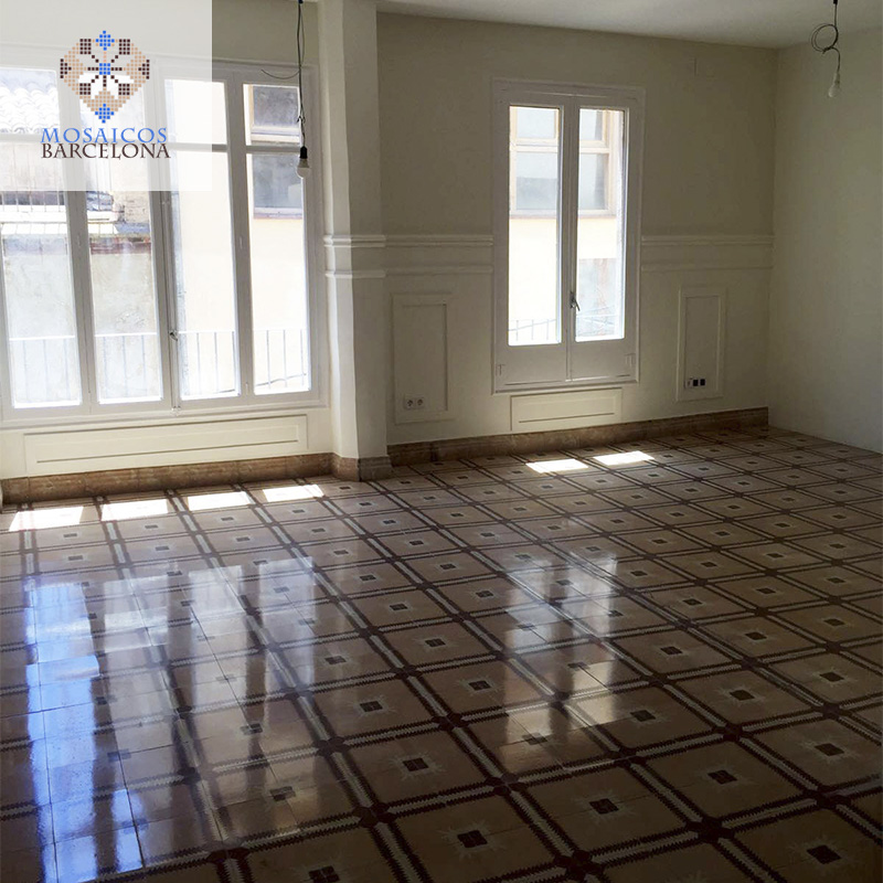MosaicosBarcelona-Pulido-de-suelos-de-mosaico-hidraulico-en-vivienda-de-Cardona