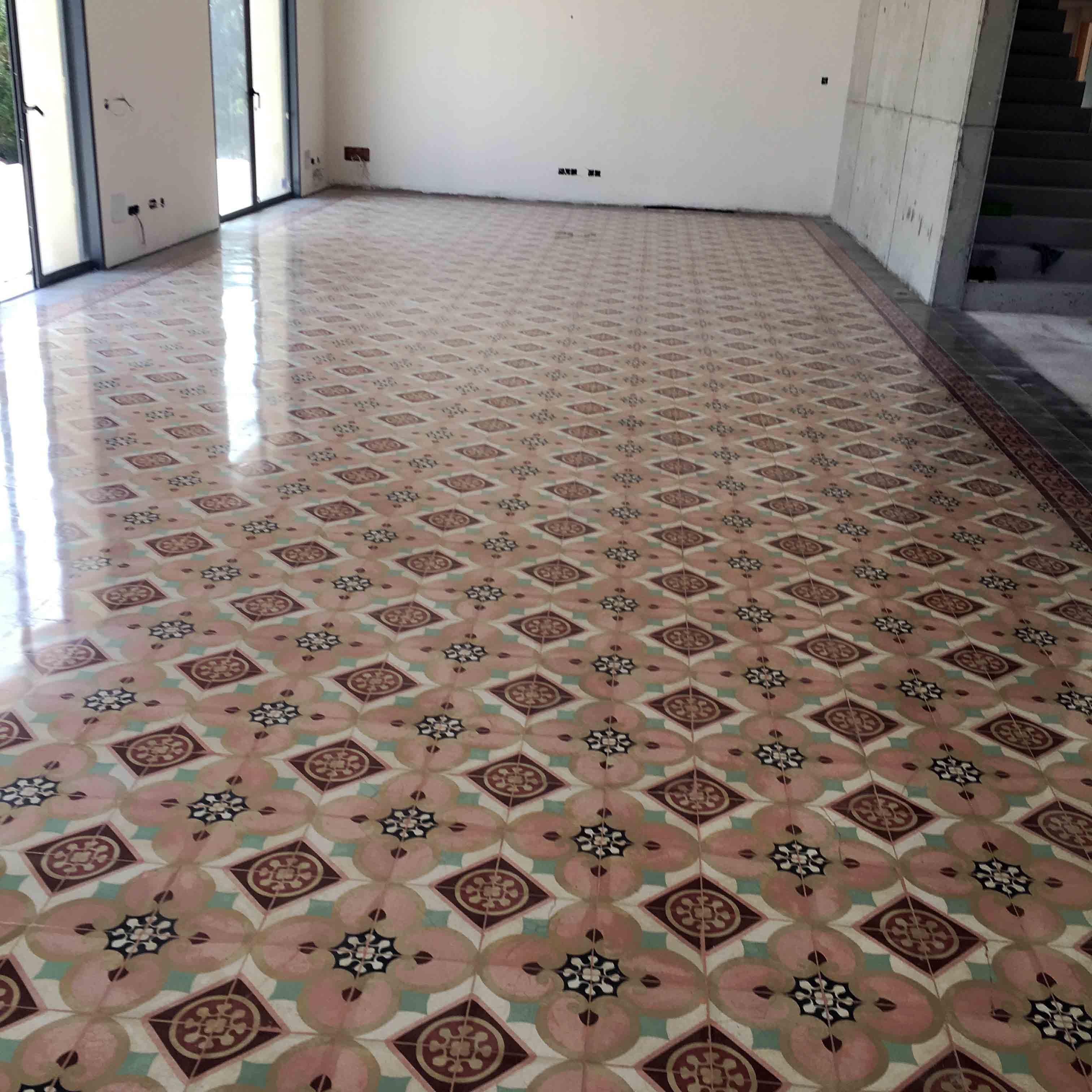 MosaicosBarcelona-Recuperacción-abrillantado-y-acristalado-de-suelos-de-mosaico-hidraulico-en-vivienda-en-Mallorca-Baleares-16