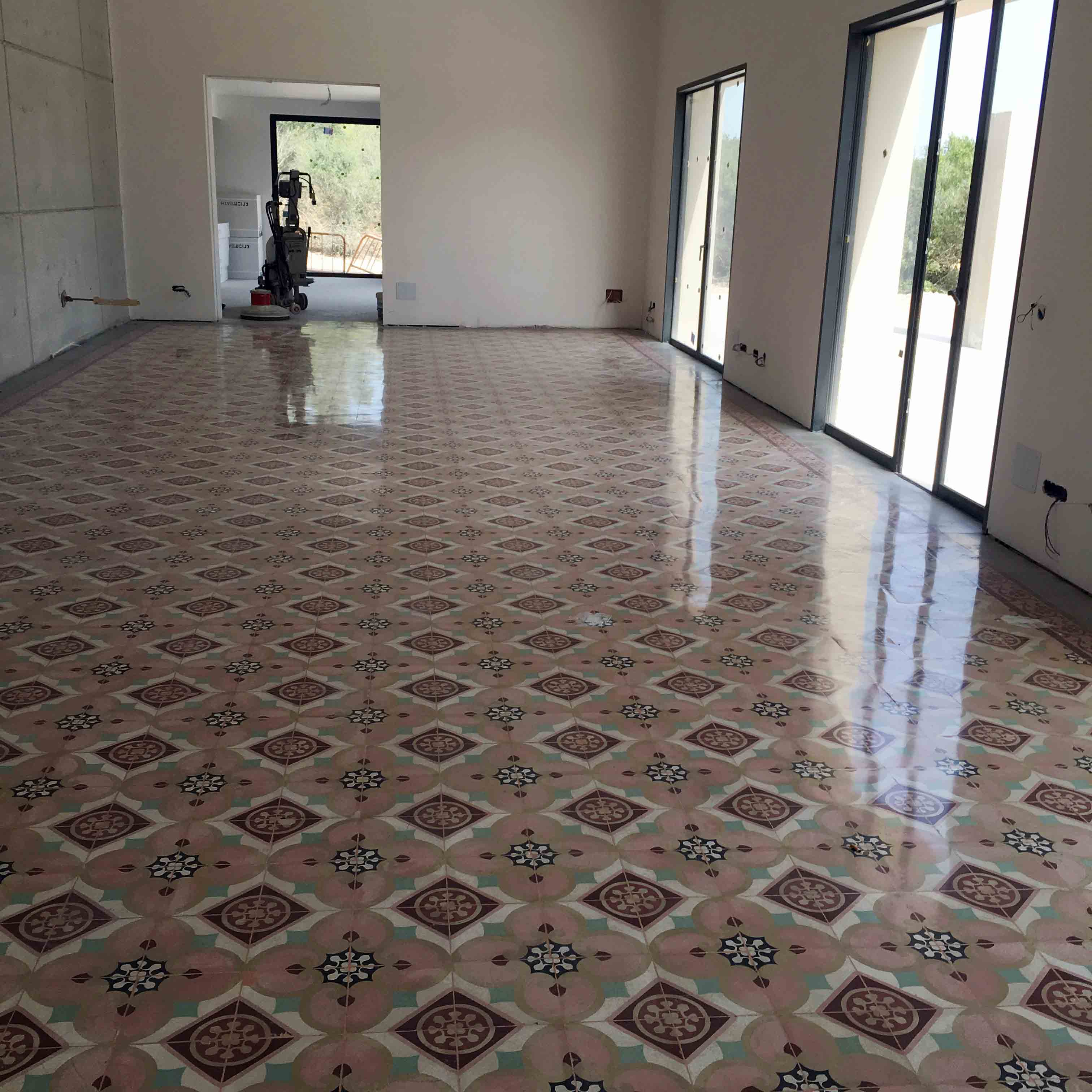 MosaicosBarcelona-Recuperacción-abrillantado-y-acristalado-de-suelos-de-mosaico-hidraulico-en-vivienda-en-Mallorca-Baleares-24