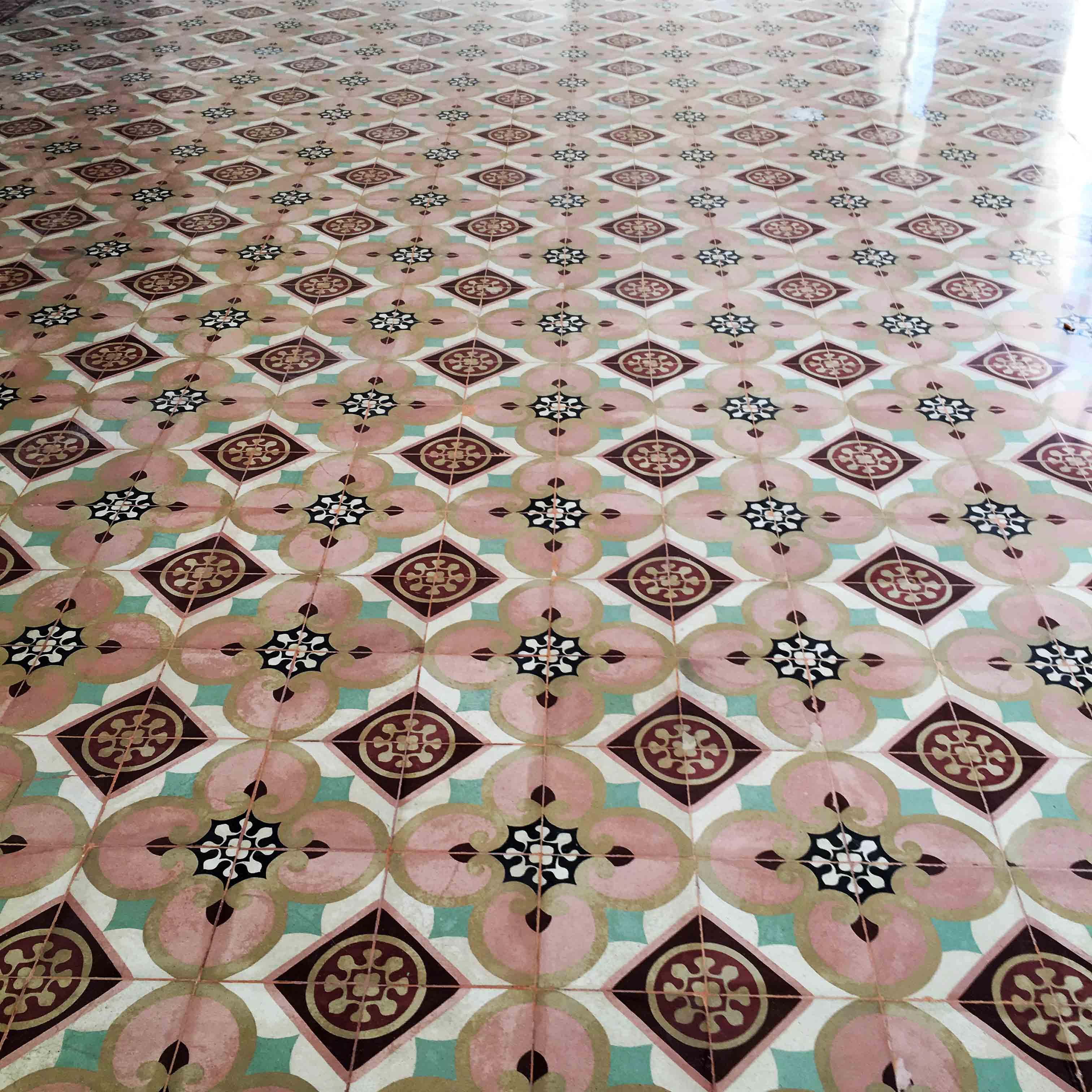 MosaicosBarcelona-Recuperacción-abrillantado-y-acristalado-de-suelos-de-mosaico-hidraulico-en-vivienda-en-Mallorca-Baleares-25