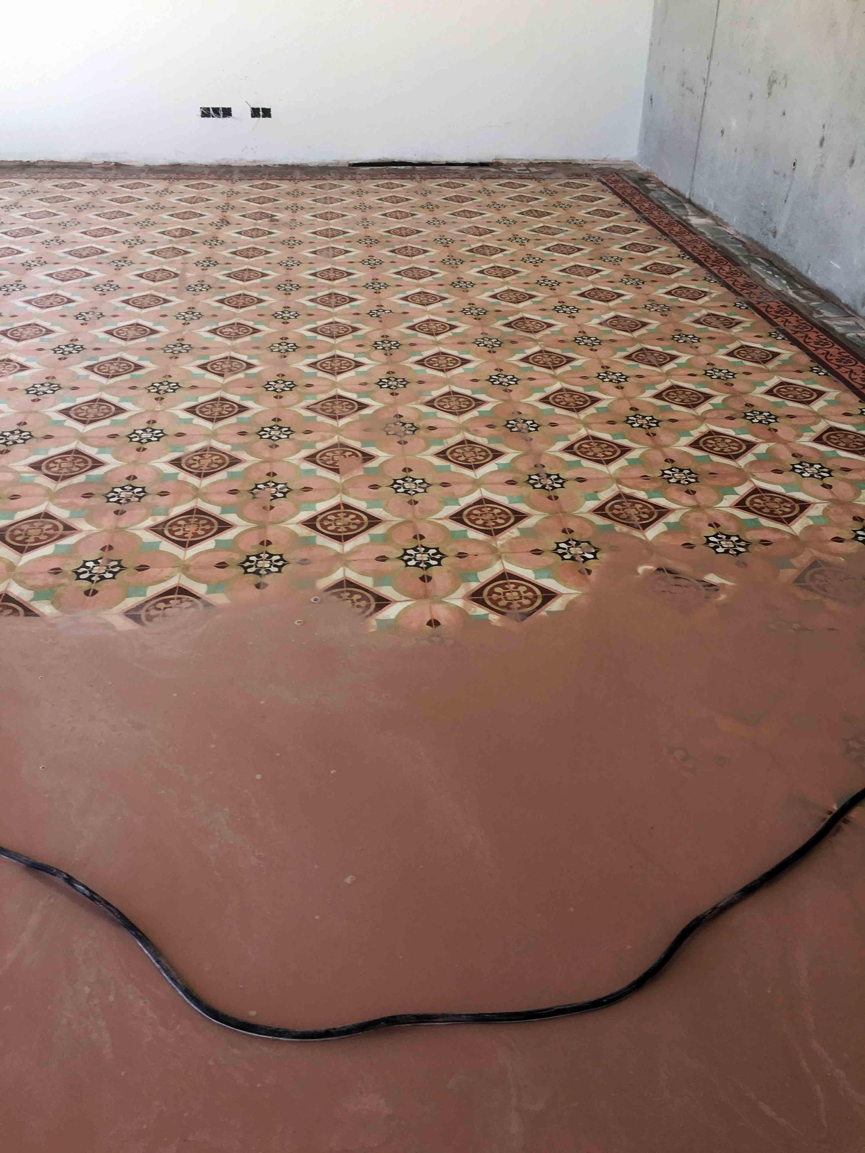 MosaicosBarcelona-Recuperacción-abrillantado-y-acristalado-de-suelos-de-mosaico-hidraulico-en-vivienda-en-Mallorca-Baleares-7